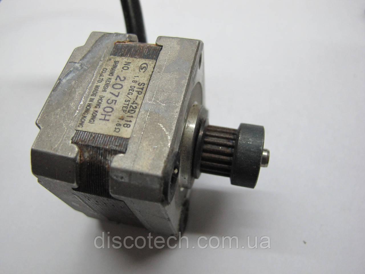 Кроковий двигун уп 1,8 ф5,0/ 7,6 Ом STP-42D118