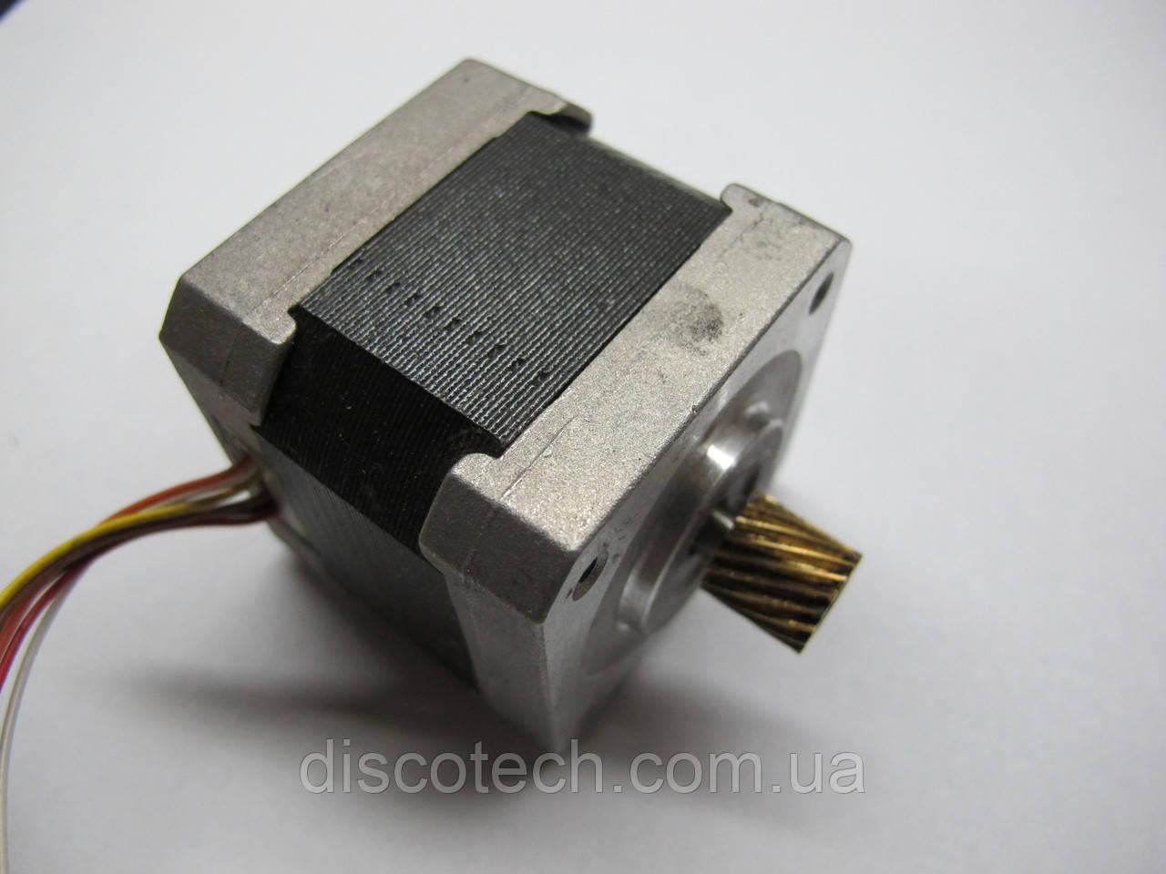 Кроковий двигун уп 1,8 ф5,0/ 4 Ом STP-42D2008