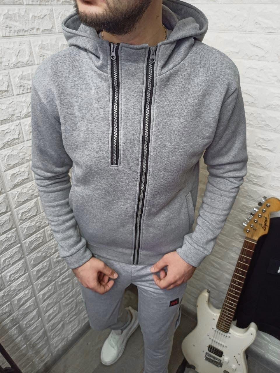 Мужская толстовка с белой молнией серого цвета