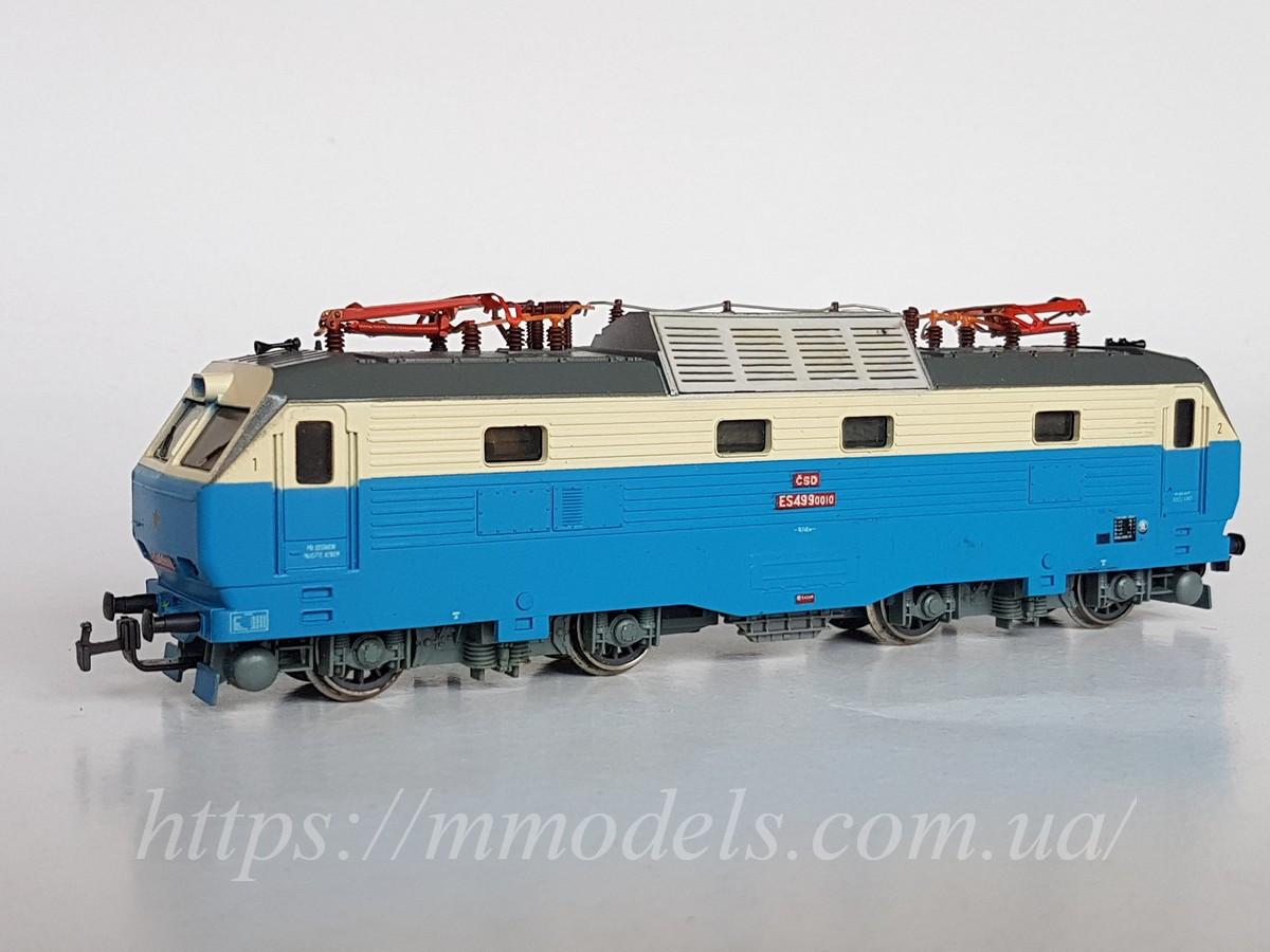 Модель электровоза серии E499-0010, принадлежности CSD, масштаба H0 1:87