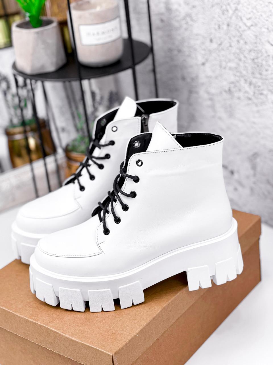 Ботинки женские Lazar белые натуральная кожа