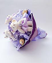 Букет из мягких игрушек и конфет. Плюшевый букет.  Букет из мишек . Фиолетовый