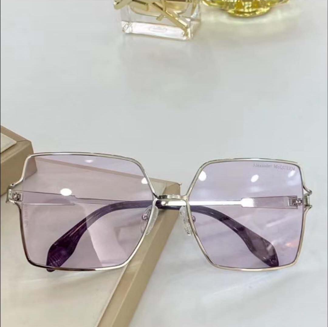 Солнцезащитные очки прозрачные розовые стекла Alexander McQueen в футляре AM0219SA