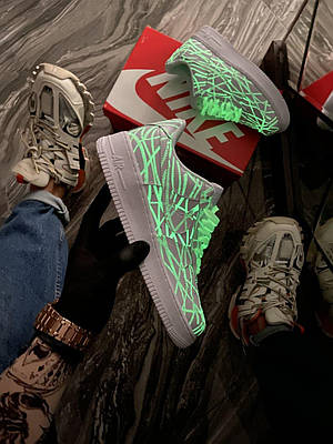 Кроссовки Nike Air Force 1 Low White Phosphor мужские, белого цвета, Найк Аир Форс