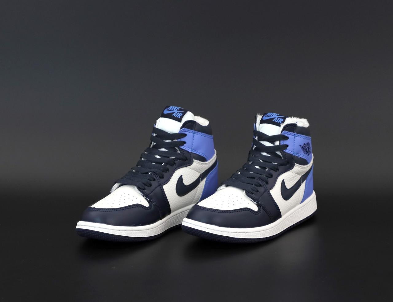 Женские зимние кроссовки Nike Air Jordan 1 Retro