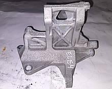 Кронштейн компрессора кондиционера Subaru Impreza G12 G22 Exiga Y10 73611FG000
