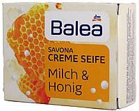 Мыло DM Balea Savona Creme Seife Milch-Honig 150г.