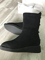 Красиві стильні шкіряні черевики casadei