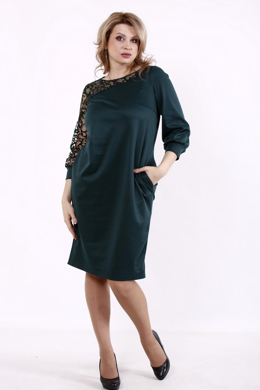 Платье батальное трикотажное зеленое с декором из сетки