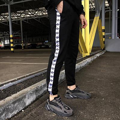 Спортивные штаны Adidas с лампасом мужские черные весна/осень в стиле Адидас