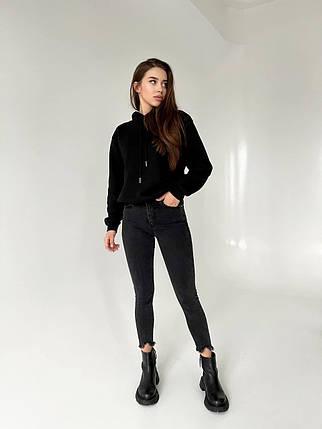 Укорочені стильні джинси скінні з рваним низом 26-31 р, фото 2