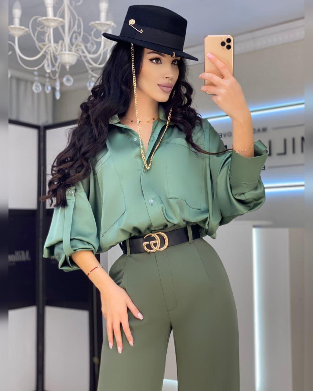Жіноча сорочка з об'ємним рукавом з шовку 42-44 р