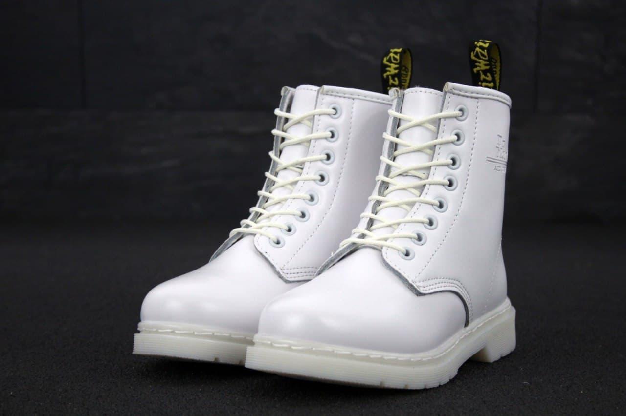 Женские демисезонные ботинки Dr. Martens (белые) весенняя качественная обувь К11977