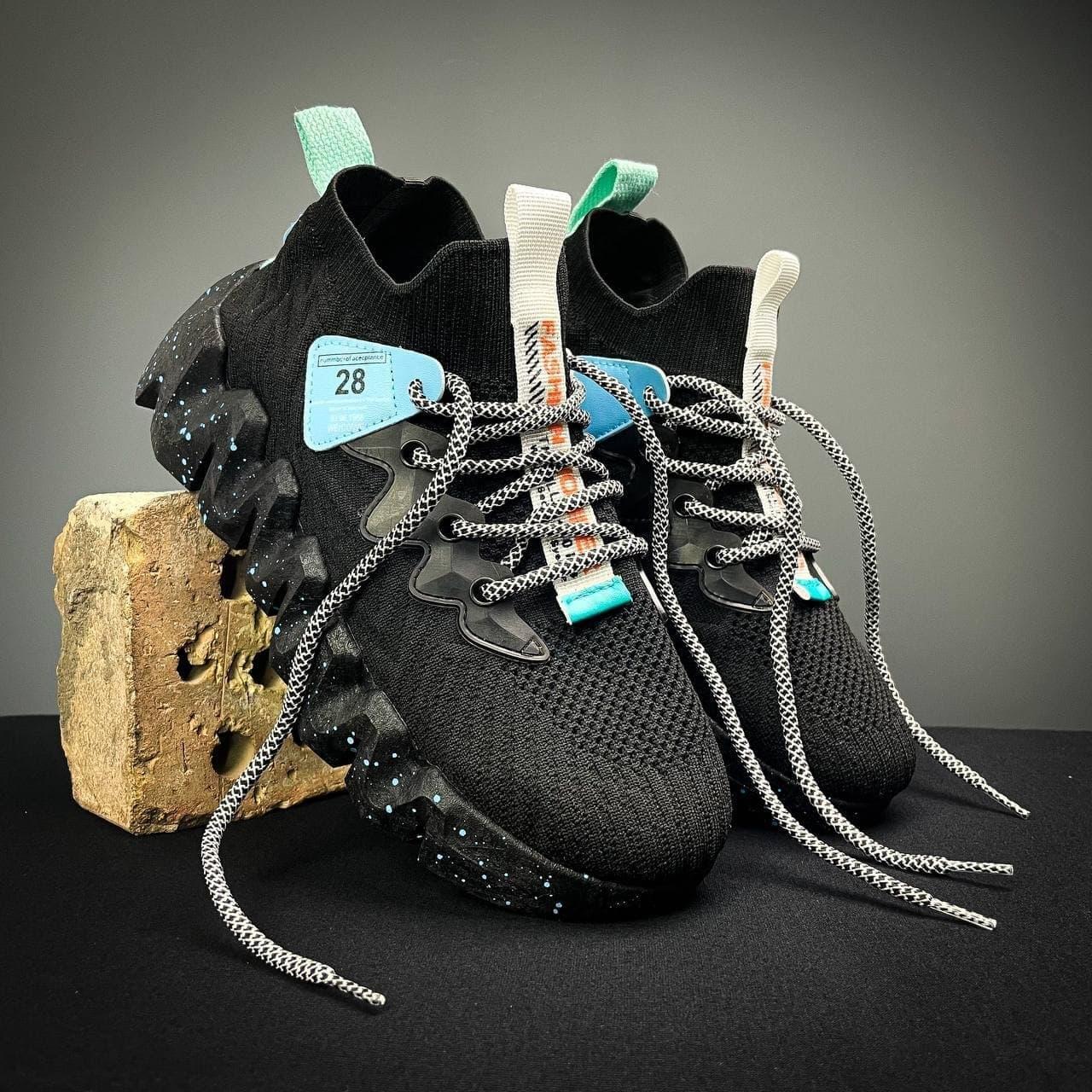 Мужские кроссовки  в стиле  40-45 черные 15-18