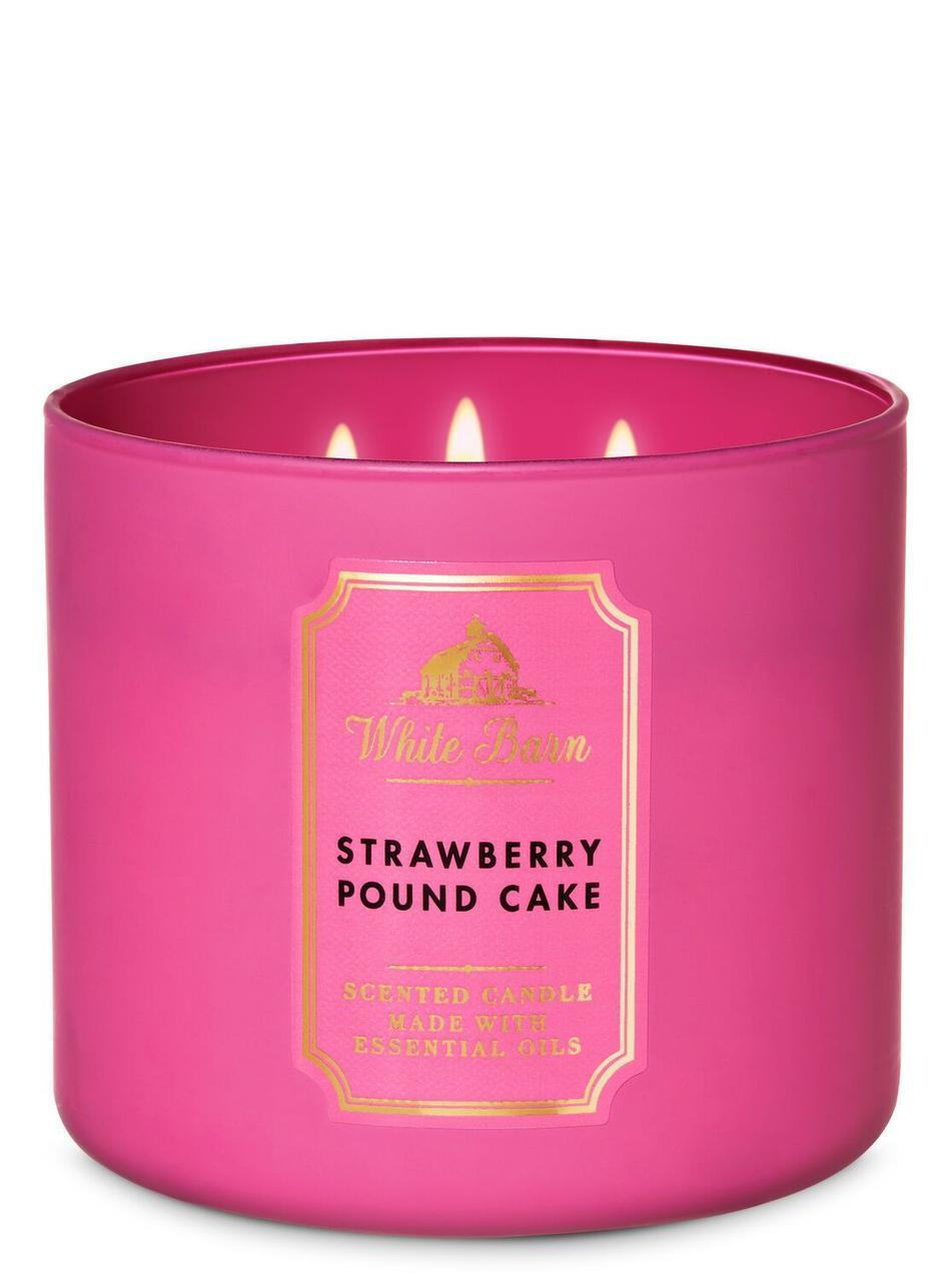 Ароматическая свеча Bath and Body Works Strawberry Pound Cake