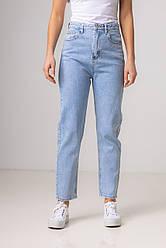 Голубые джинсы mom со средней  посадкой в размерах: S, M, L, XL.