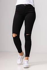 Ультра модные черные джинсы-скинни и разрезом на коленях со средней  посадкой в размерах: S, M, L, XL.