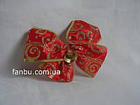 Новогодний красный с золотыми узорами бант из атласной ленты шириной 6,3 см с проволочным краем