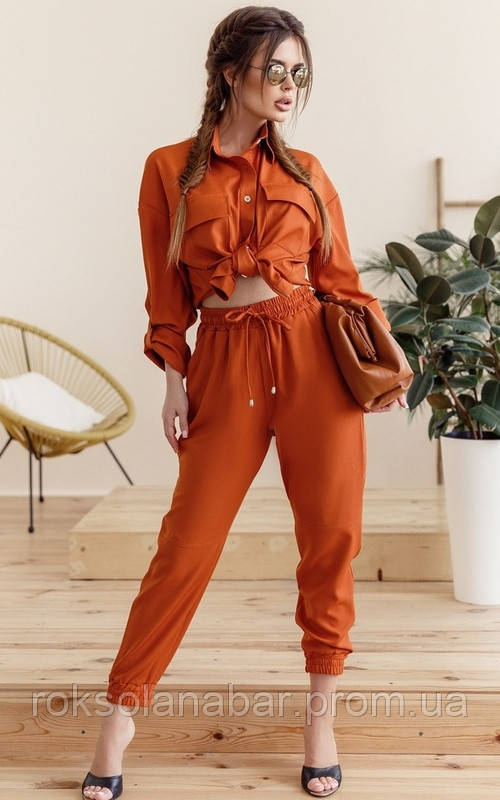 Костюм з укороченими брюками і сорочкою у теракотовому кольорі