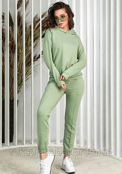 Жіночий оливковий спортивний костюм