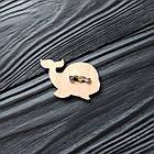 """Значок из дерева на одежду """"Синий кит"""", пин из фанеры, брелок ручная роспись, брошь из дерева, фото 2"""