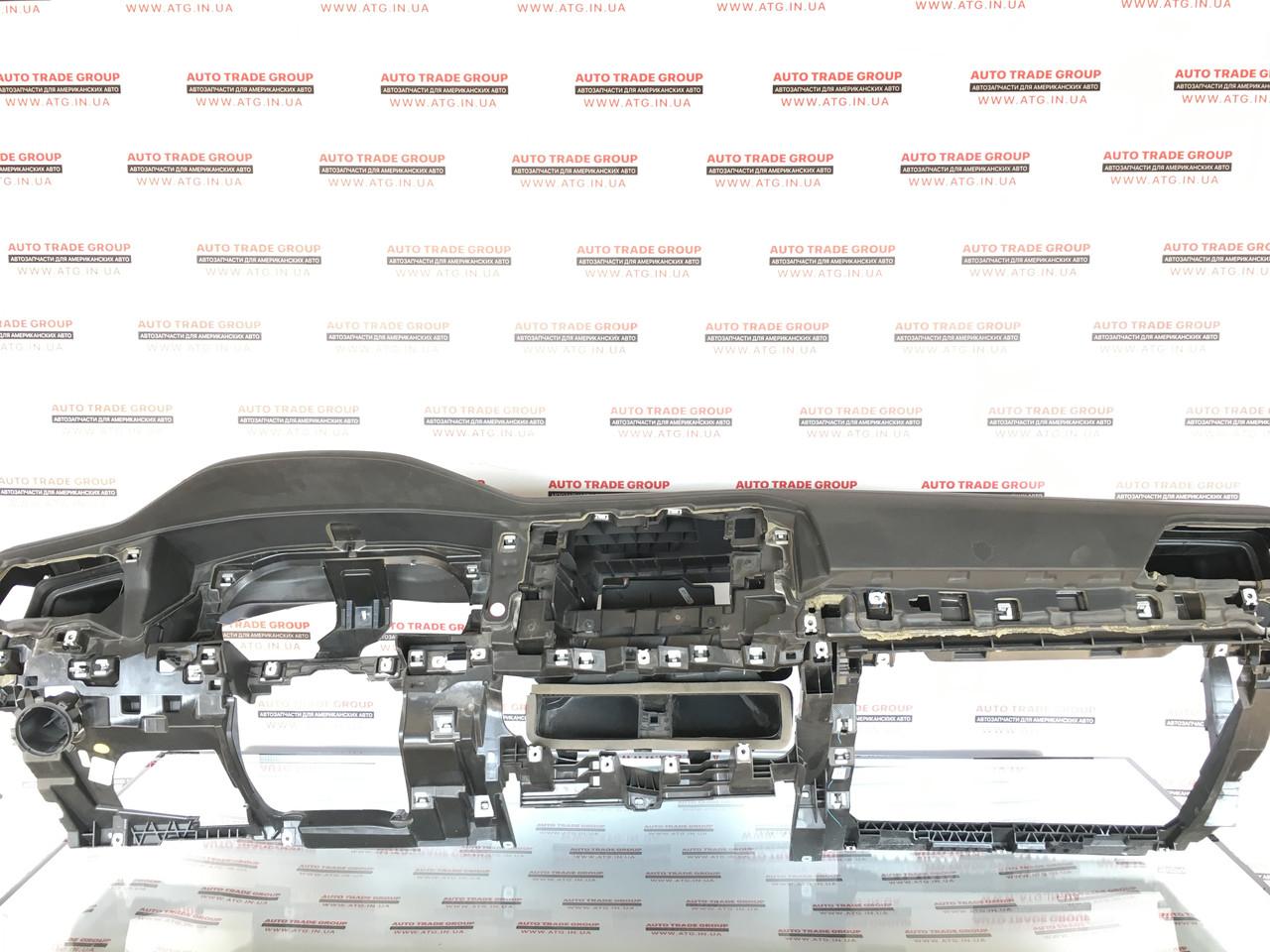 Торпедо передняя панель голая VW Jetta 19 MK7 USA 17B857003CRA3