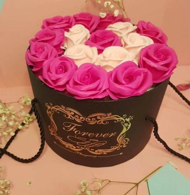 Подарочный РОЗОВЫЙ набор мыла из роз в шляпной коробке | Мыльные цветы