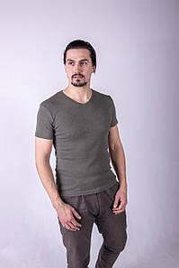Однотонна футболка прилеглого силуету (олива)