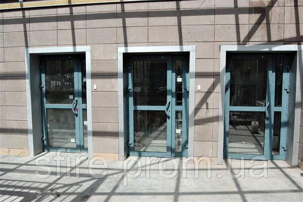Двери противопожарные алюминиевые с остеклением до 90% EI 60 наружные