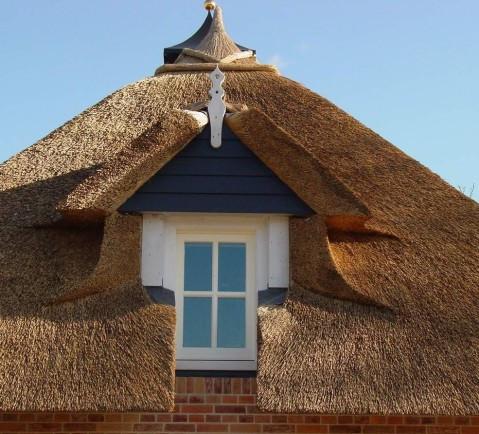 крыша из камышовых материалов, фото_1