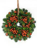 Венок рождественский новогодний D30 литая хвоя и красные ягоды калина
