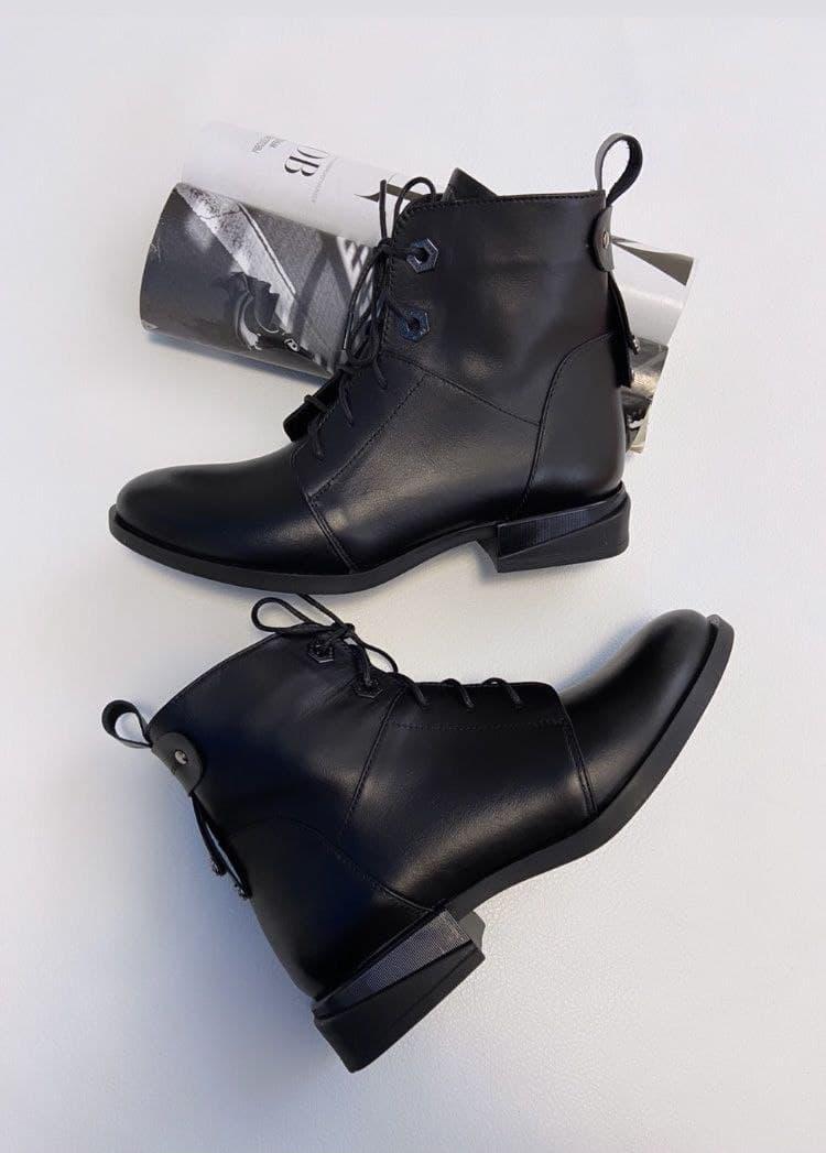 """Женские ботинки""""Черные"""""""