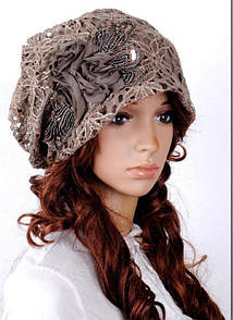 "Ажурна жіноча шапка з нашивкою ""Fiona"""