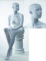 Манекен женский белый сидящий БЕЗ МАКИЯЖА