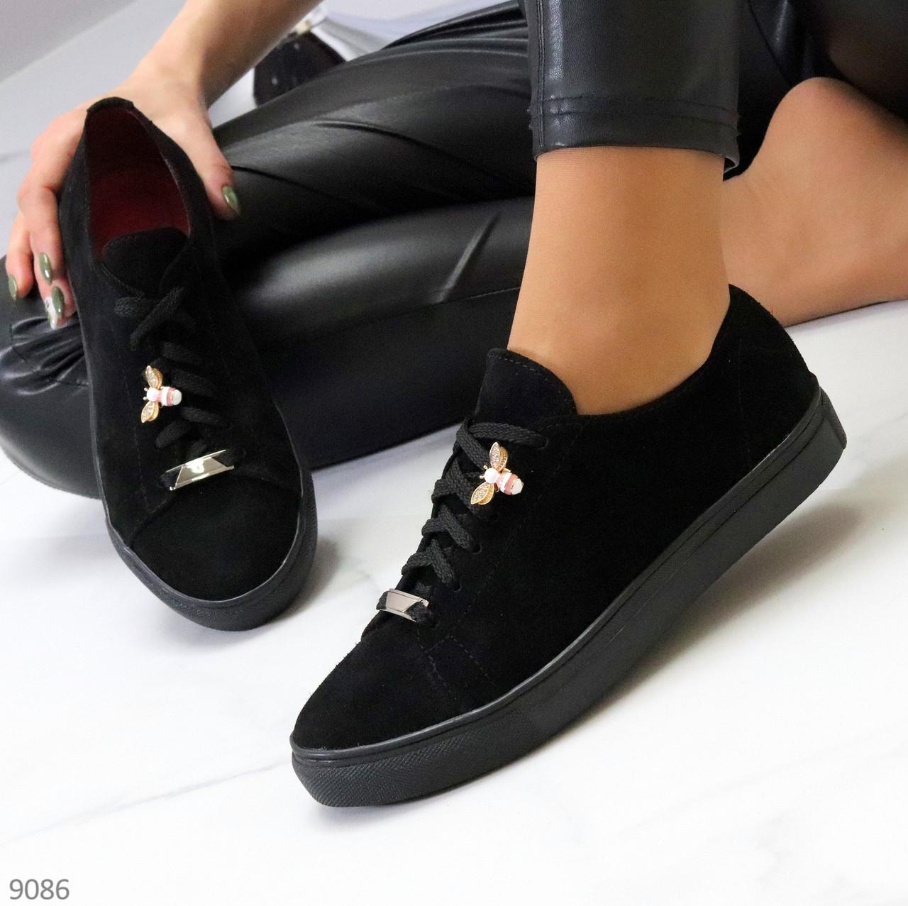 Крутые молодежные черные женские кеды натуральная замша с декором на шнуровке