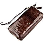 Женский лаковый клатч ST Leather коричневый