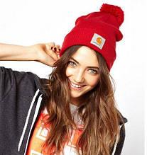 Красная шапка с балабоном carhartt