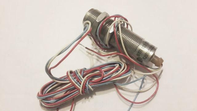 індуктивний вимикач БТП-103 датчик положення