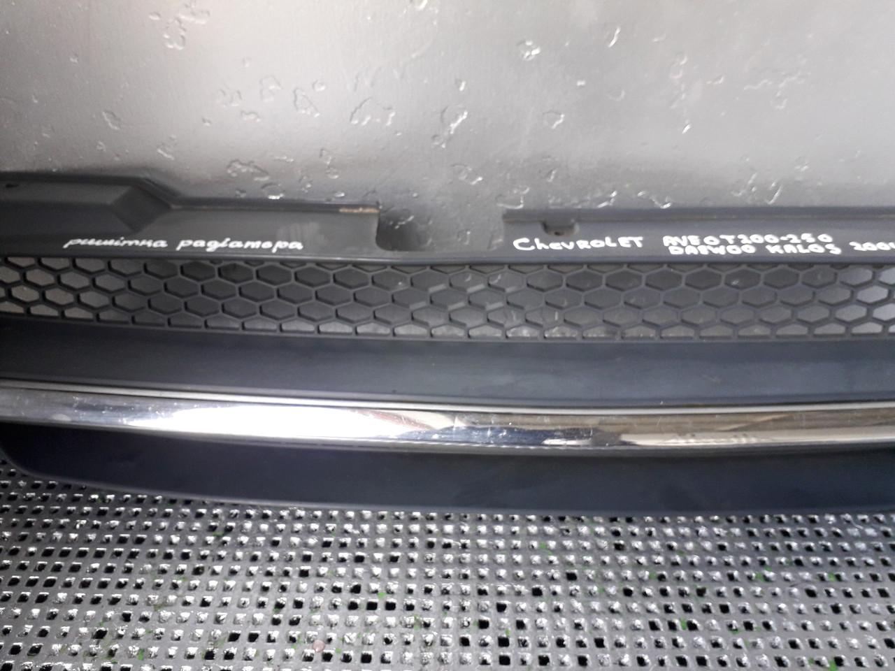 Решітка радіатора для Chevrolet Aveo, Daewoo Kalos Хетчбек