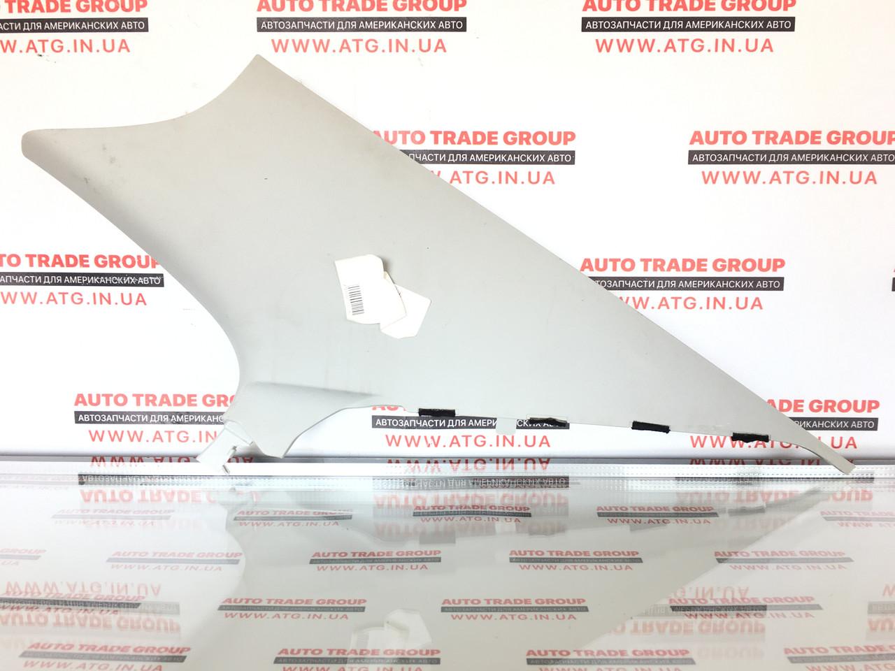 Накладка задньої стійки права VW Jetta MK6 17 USA 5C6-867-288-F-Y20