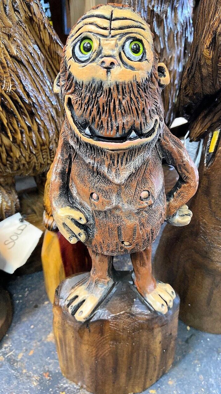 Скульптури з дерева казкових персонажів, ручна різьба по дереву (Hand Carved Artwork 14)