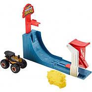 Набор Соревнования по прыжкам в высоту серии Monster Trucks Hot Wheels, фото 3