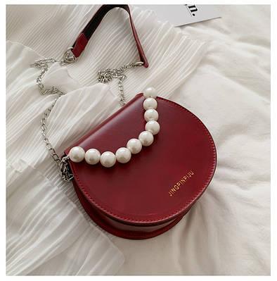 Круглая женская сумка клатч с жемчугом цвет красный