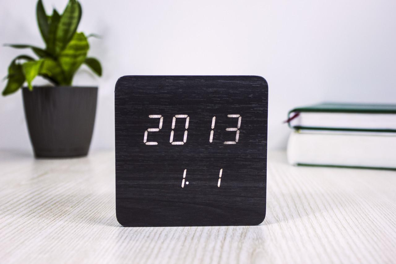 Годинники настільні 872-6 з білим підсвічуванням / температура /дата (Чорний)