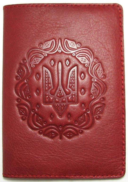 """Кожаная обложка на паспорт - """"Герб"""" (бордовый) - 180 грн. лицевая сторона"""