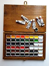 Акварельные краски. Деревянный подарочный футляр для хранения кювет с красками.  Подарок художнику.