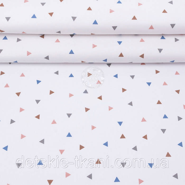 """Поплін шириною 240 см """"Трикутники: коричневі, сірі, сині"""" на білому тлі (№3314)"""