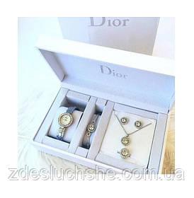 Подарочный набор из часов, браслета, кольца, цепочки и сережек в подарочной упаковке SKL11-283030