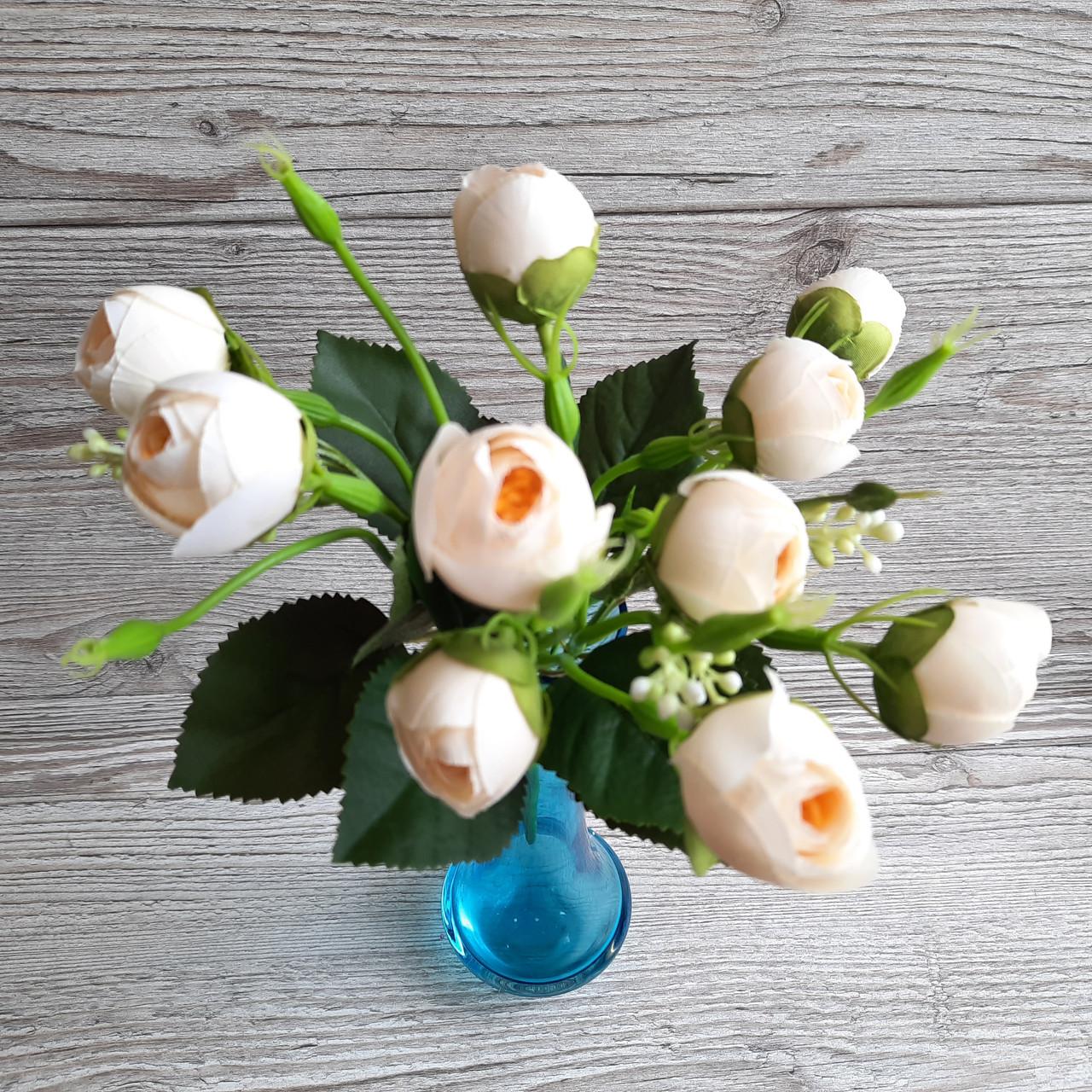 Букет молочних троянд. (10 кольорів)