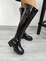 Жіночі лакові ботфорти на низькому ходу